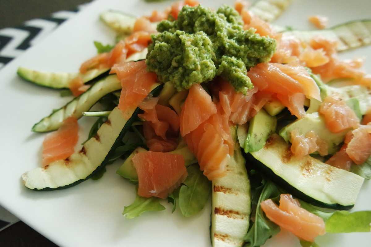 Courgette salade zalm