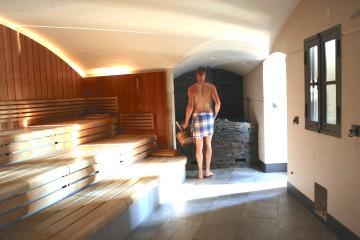 Gestrest uitgeblust ga naar de sauna