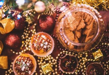 food sweet cookies christmas 380x260 - Genieten zonder aan te komen tijdens de feestdagen