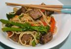 Noodles met biefstuk 1200x715 145x100 - Recept: noodles met biefstuk & bimi