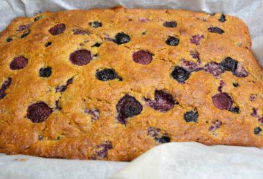 Recept: Havermout cake met vruchten