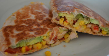 DSC 0847 1200x715 375x195 - Recept: Quesadilla's kip avocado