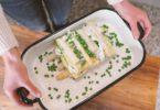 Open lasagne van witte asperges
