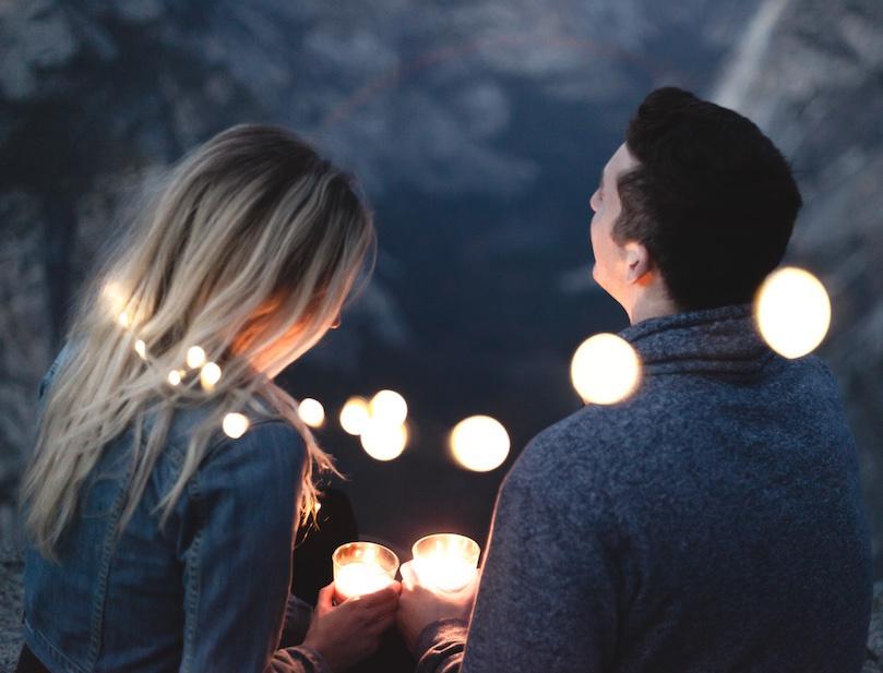 9 redenen waarom het zo fijn is om beiden introvert te zijn in een relatie