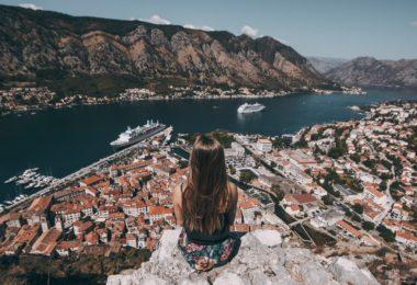 photo 1519429903317 023c499a0802 380x260 - 6 redenen waarom mensen die het liefst alleen reizen mentaal sterk zijn