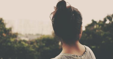 5 dingen die onzekere mensen onbewust doen waardoor ze nog onzekerder worden