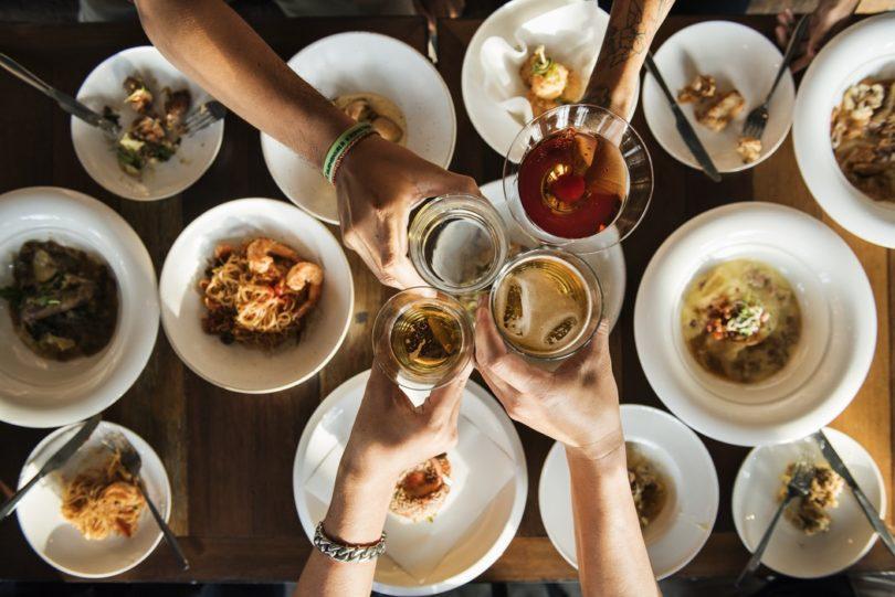 photo 1532597540419 b176991847e8 810x541 - 6 tips om als Bourgondiër de balans met eten te vinden