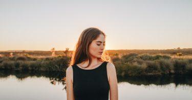 8 oncomfortabele signalen dat je de persoon wordt die je moet zijn