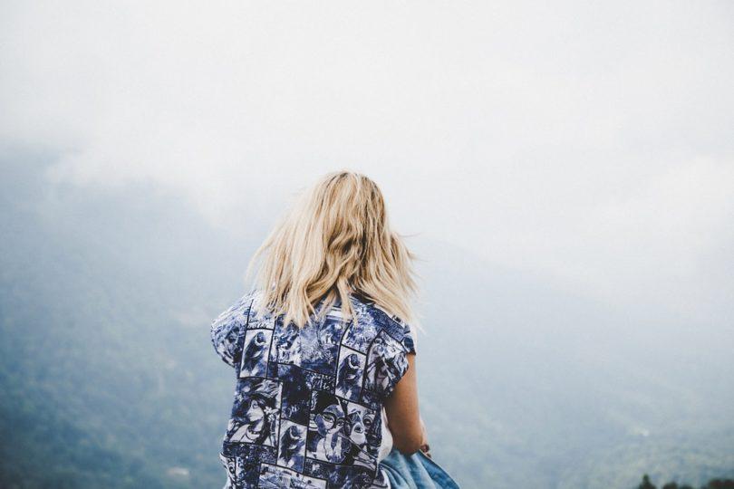 Hoe narcisten het slachtoffer spelen en het verhaal verdraaien