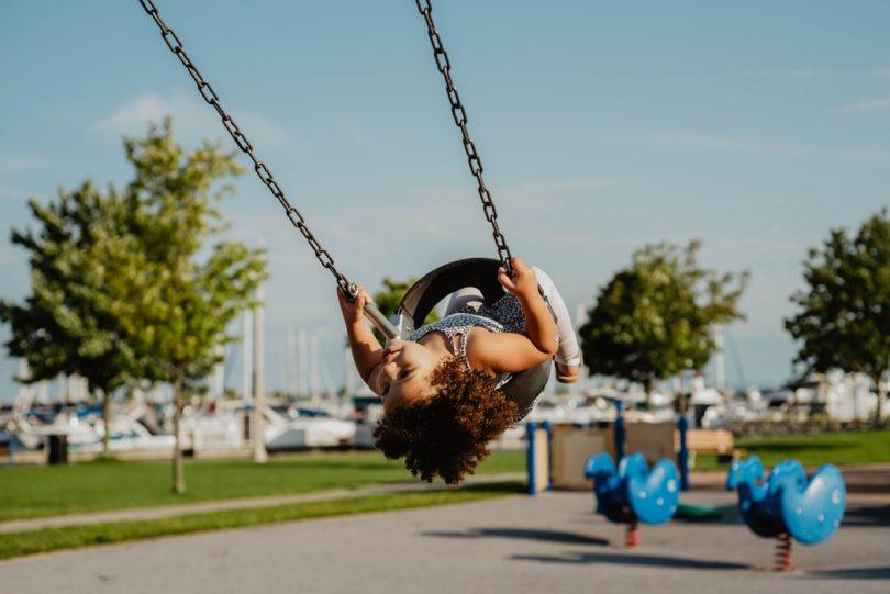 6 redenen waarom het zo belangrijk is dat kinderen buiten spelen