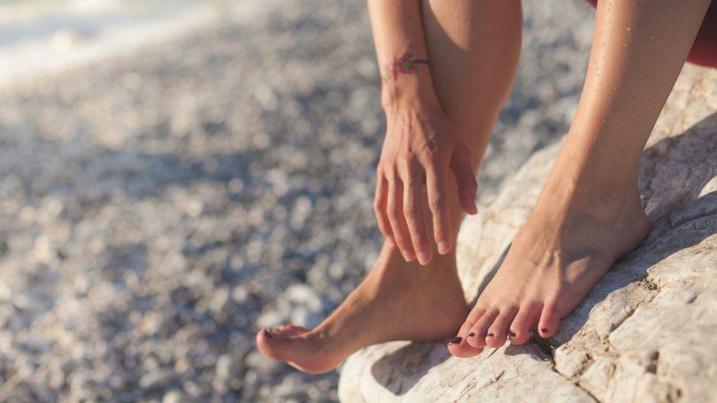 De 4 voordelen van een appelazijn voetenbad